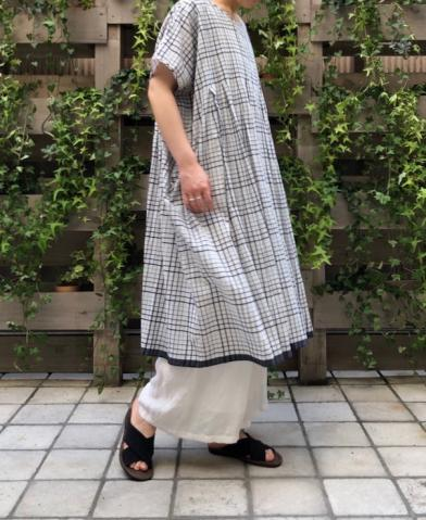 maison de soil KHADI CHECK DRESS & LINEN PANTS