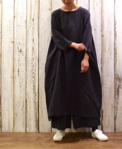 SOIL〜WOOL LINEN PLAIN BACK SIDE GATHERED DRESS〜