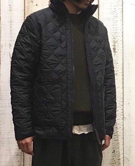 NAM9977  PLAIN HEAT QUILT REVERSIBLE HIGH-NECK JKT