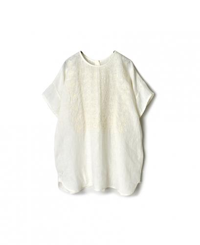 NMDS20022 80'S POWER LOOM LINEN WITH EMB BACK OPENING CREW-NECK S/SL EMB SHIRT
